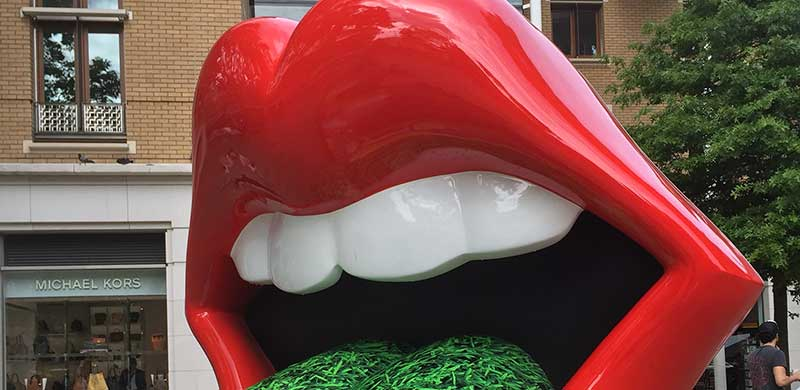 Rolling Stones Lips sculpture in London